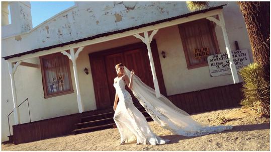 Pokud by se měla znovu vdávat, volila by prý jednodušší šaty.