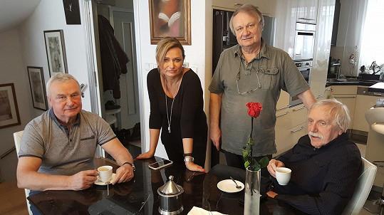 Režisér s manželkou Janou a bratry