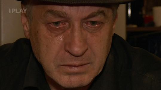Josef Rychtář rád a hodně pláče.