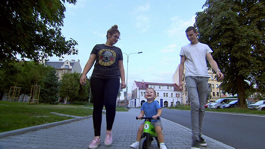Monika a Dominik vychovávají jednoho, skoro dvouletého chlapečka.