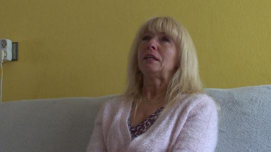 V průběhu výměny vyšly na povrch emoce a Iva se na kameru rozplakala.