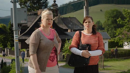 Jitka Čvančarová se Sabinou Remundovou v nové řadě populárního seriálu Doktor Martin.