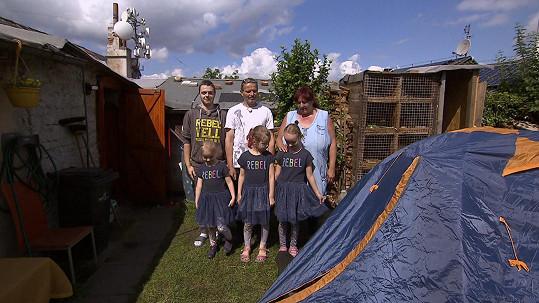 Rodina Ivety žije v zahrádkářské kolonii.