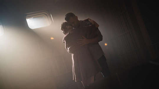 Michael Petr vydává dva nové videoklipy, ve kterých tančí s Alicí Stodůlkovou.