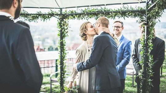 Svatba byla originální a stejně tak mělo být i zasnoubení.