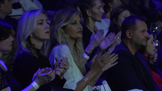 Během večera ji doprovázela ředitelka její nadace Terezie Sverdlinová.