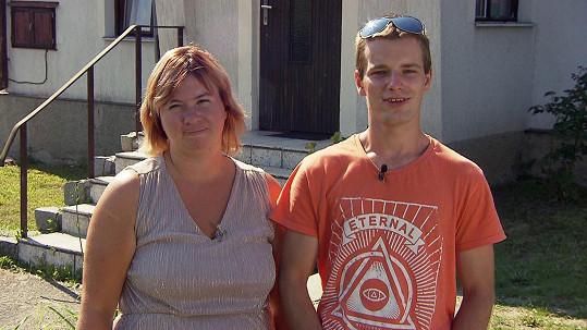 Druhou rodinu do pořadu přihlásila maminka Tereza. Její partner Michal údajně moc křičí na děti.
