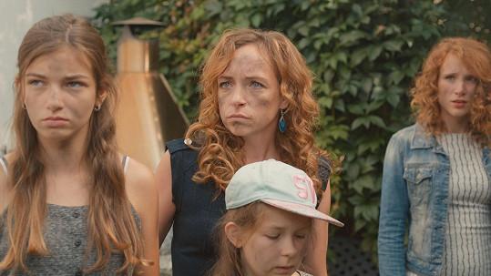 Ve Špuntech na vodě hraje dceru Tatiany Vilhelmové.