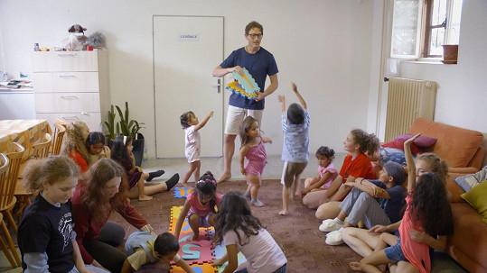 Pomáhal také sociálně znevýhodněným dětem.