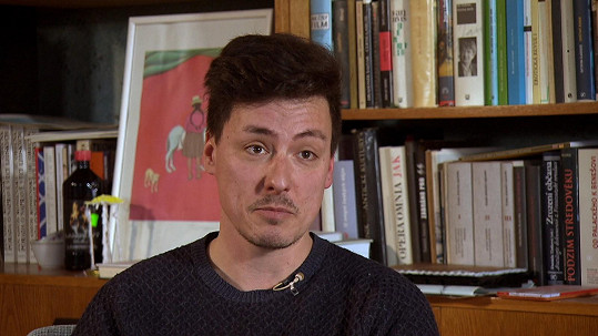 Matěj Stropnický žije s partnerem Danielem na zámku v Osečanech, který rekonstruují.