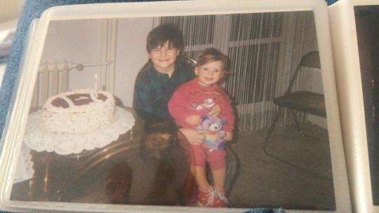 Míša s milovaným bratrem na archivním snímku