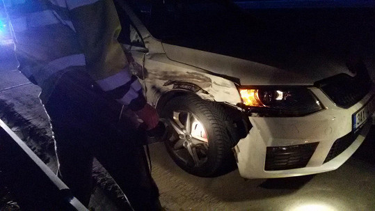 Štěstí, že z nehody všichni vyvázli bez zranění.