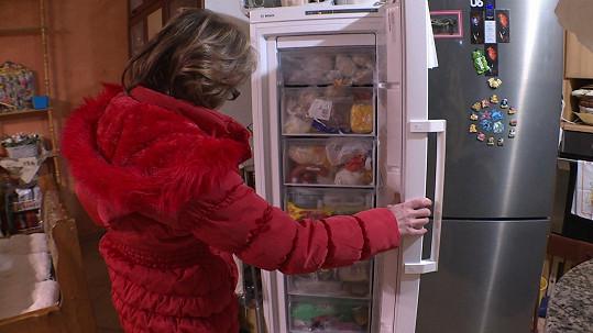 Druhou účastnici přeplněná lednice a mrazák u Ivany doma také překvapí.
