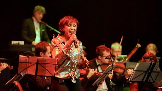 Ve středu uspořádala koncert v Divadle Hybernia.