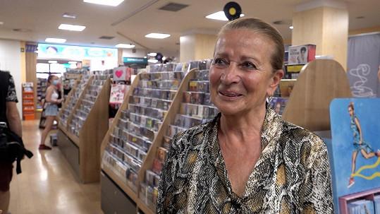 Na křtu nové knihy nemohla chybět Vojtova maminka Marie Šrámková.
