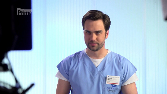Ondřej hraje už třetím rokem v seriálu Modrý kód.
