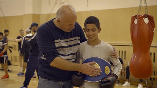Zapojil se do činnosti čtvrti Bedřiška nebo romského boxovacího klubu pro mladé talenty.