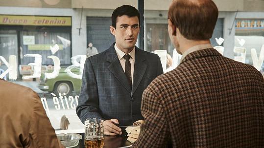 Rona Clarka si zahrál australský herec James Frecheville.