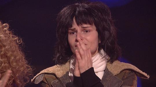 Iva Pazderková neudrží po jejím výstupu slzy.