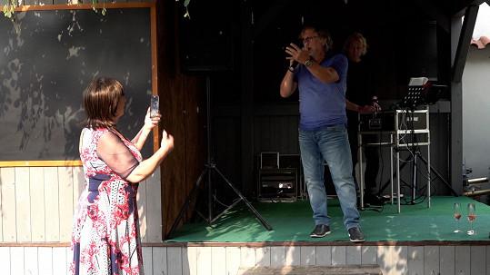 Na léto už Dalibor Janda plánuje koncerty.