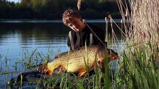 Vágner tvrdí, že o ně pečuje s láskou a rybáři to potvrzují.