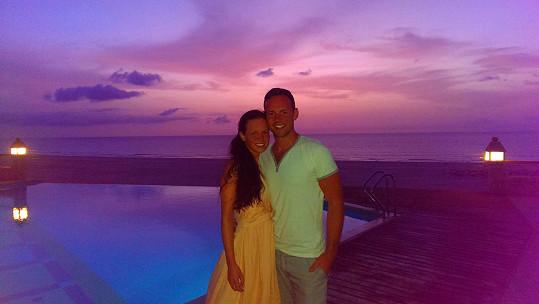 Michael s manželkou Eliškou, kterou si vzal letos v létě. Ta má v jeho proměně taky prsty, Foretova trenérka je Eliščina kamarádka a manželovi ji dohodila.
