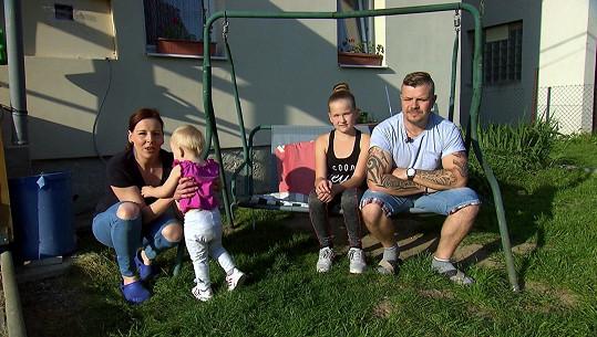 Martin se svou partnerkou a jejich dětmi