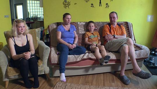 S manželem Vlastou(46) mají děti Lucku (16)a Ríšu (6).