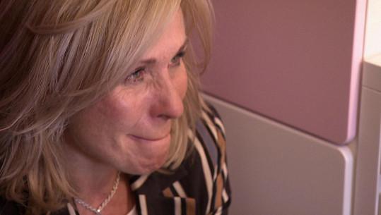 Pegnerová během rozhovoru s rodinou neudržela slzy.
