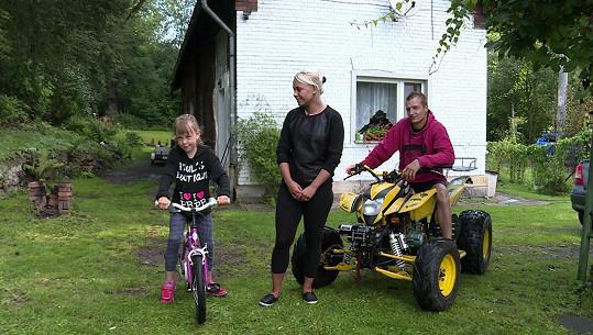 Kristýnka s mámou a Jakubem