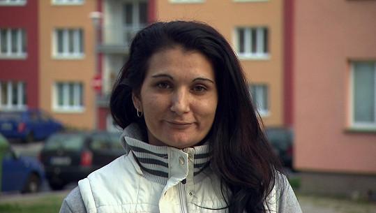 Zdena z Nového sedla bydlí v malém bytě s manželem a čtyřmi dětmi.