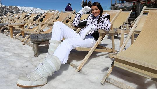 Nikol Švantnerová se v Itálii líbí. Jistou podobu s Alenou Šeredovou nelze přehlédnout.