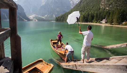 Během soustředění v jižním Tyrolsku Kotková fotila u jezera Braies.