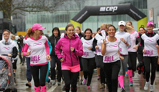 Eva Decastelo zběhla ze závodu hned po první zákrutě.