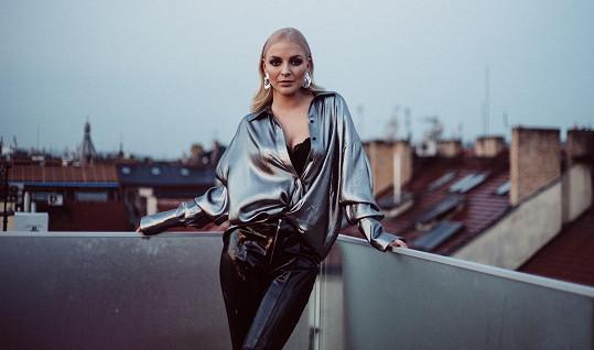Píseň Markétě složila kamarádka a kolegyně Eliška Mrázová.