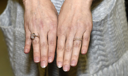Snubní a zásnubní prsten z dílny Jitky Kudláčkové