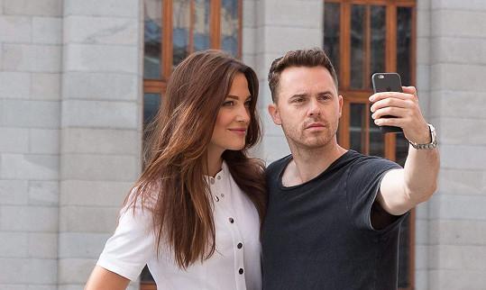 Selfie modelky s fotografem