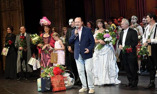Nedělní derniérou se s diváky rozloučil. Jeho návrat ale producent František Janeček nevylučuje.