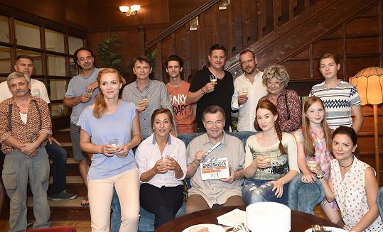 První klapka nového seriálu Krejzovi, který se právě natáčí.