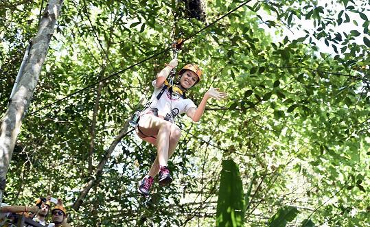 Žádná z dívek se kupodivu příliš nebála. Z výšek neměla strach ani Šárka Zdvořilá, která má díky svému otci, horolezci, s podobnými aktivitami zkušenost.