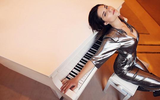 Michalina Olszańska je krásná žena.