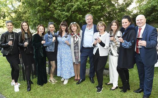 Na degustaci moldavských vín se potkala s dalšími známými tvářemi.
