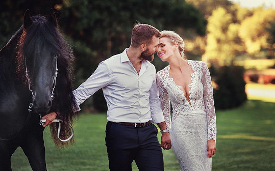 Hanka Mašlíková si vzala Andrého Reinderse před čtyřmi lety.
