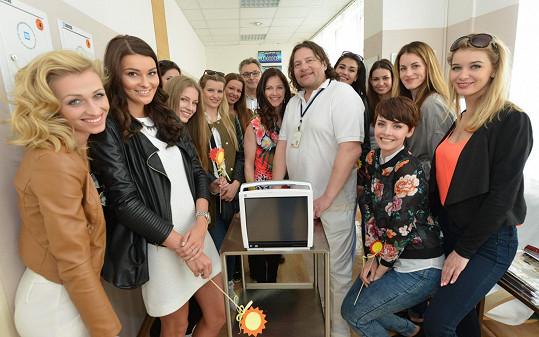 Modelky navštívily nemocnici.