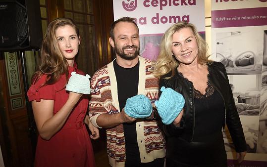 Spolu s dalšími známými tvářemi přišel podpořit nadaci Nedoklubko pro předčasně narozené děti.