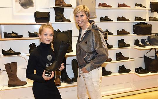 Neumannová si během své aktivní sportovní kariéry musela obouvat zejména účelovou obuv, teď se těší z toho, že se může víc parádit.