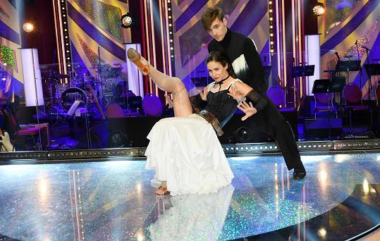 S tanečním partnerem Dominikem Vodičkou jim jde tanec skvěle.