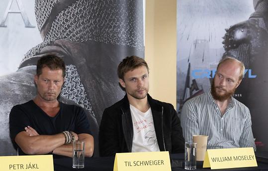 Hvězdy snímku na tiskové konferenci (zleva Til Schweiger, William Moseley a Jan Budař)