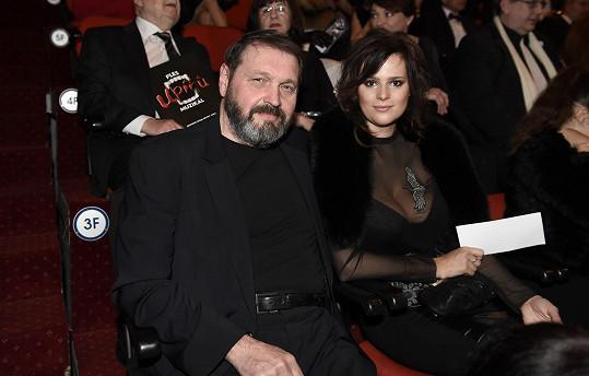 Ornella s manželem Pepou Koktou na premiéře Plesu upírů.