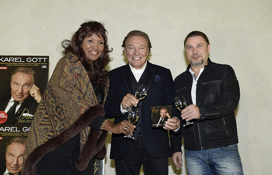 Pauletta deVaughn a Petr Kolář pokřtili Gottovu kompilaci Duety.